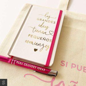 bolígrafo y libreta